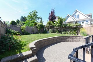Photo 19: 1425 FINLAY Street: White Rock House for sale (South Surrey White Rock)  : MLS®# R2380364