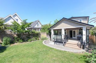 Photo 18: 1425 FINLAY Street: White Rock House for sale (South Surrey White Rock)  : MLS®# R2380364