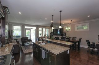 Photo 8: 1425 FINLAY Street: White Rock House for sale (South Surrey White Rock)  : MLS®# R2380364