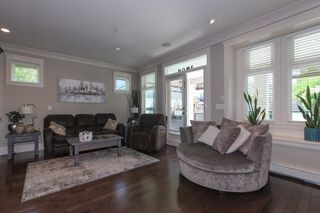 Photo 10: 1425 FINLAY Street: White Rock House for sale (South Surrey White Rock)  : MLS®# R2380364