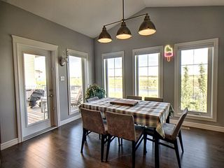 Photo 4: 16447 17 Avenue in Edmonton: Zone 56 House for sale : MLS®# E4163476
