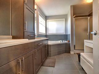 Photo 8: 16447 17 Avenue in Edmonton: Zone 56 House for sale : MLS®# E4163476