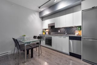 Photo 7: 801 2788 PRINCE EDWARD Street in Vancouver: Mount Pleasant VE Condo for sale (Vancouver East)  : MLS®# R2387526