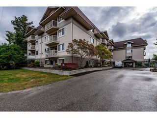 """Photo 1: 109 9186 EDWARD Street in Chilliwack: Chilliwack W Young-Well Condo for sale in """"ROSEWOOD GARDENS"""" : MLS®# R2403843"""