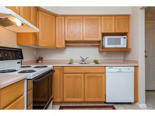 """Photo 6: 109 9186 EDWARD Street in Chilliwack: Chilliwack W Young-Well Condo for sale in """"ROSEWOOD GARDENS"""" : MLS®# R2403843"""