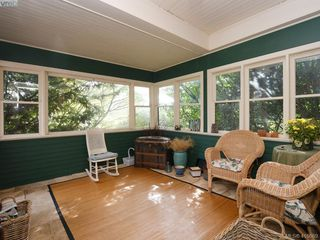 Photo 2: 1960 St. Ann Street in VICTORIA: OB North Oak Bay Single Family Detached for sale (Oak Bay)  : MLS®# 416689