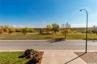 Photo 2: 335 Whiteswan Drive in Saskatoon: Lawson Heights Residential for sale : MLS®# SK788529