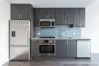 "Photo 6: 807 38 W 1ST Avenue in Vancouver: False Creek Condo for sale in ""THE ONE"" (Vancouver West)  : MLS®# R2525858"