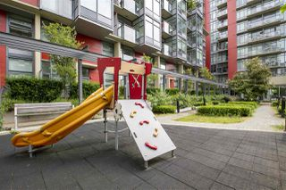 "Photo 23: 807 38 W 1ST Avenue in Vancouver: False Creek Condo for sale in ""THE ONE"" (Vancouver West)  : MLS®# R2525858"