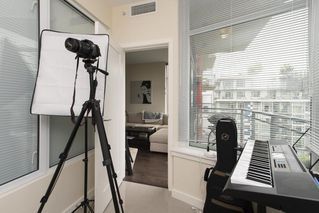 "Photo 10: 807 38 W 1ST Avenue in Vancouver: False Creek Condo for sale in ""THE ONE"" (Vancouver West)  : MLS®# R2525858"