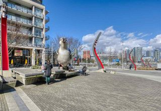 "Photo 25: 807 38 W 1ST Avenue in Vancouver: False Creek Condo for sale in ""THE ONE"" (Vancouver West)  : MLS®# R2525858"