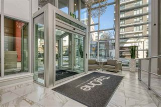 "Photo 3: 807 38 W 1ST Avenue in Vancouver: False Creek Condo for sale in ""THE ONE"" (Vancouver West)  : MLS®# R2525858"