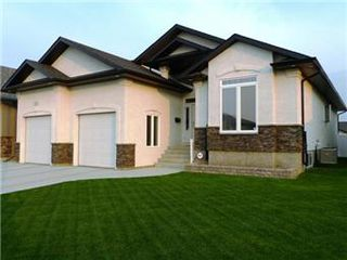 Photo 2: 311 Nicklaus Drive: Warman Single Family Dwelling for sale (Saskatoon NW)  : MLS®# 398969