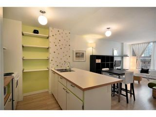 "Photo 8: 710 950 DRAKE Street in Vancouver: Downtown VW Condo for sale in ""ANCHOR POINT II"" (Vancouver West)  : MLS®# V908981"
