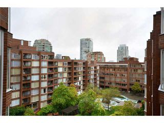 "Photo 10: 710 950 DRAKE Street in Vancouver: Downtown VW Condo for sale in ""ANCHOR POINT II"" (Vancouver West)  : MLS®# V908981"