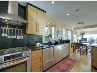 "Photo 10: 14996 BEACHVIEW Avenue: White Rock House for sale in ""WHITE ROCK HILLSIDE"" (South Surrey White Rock)  : MLS®# F1402160"