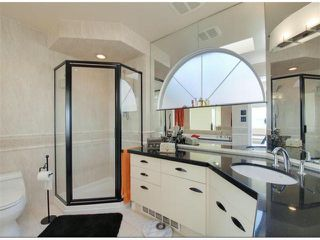 "Photo 13: 14996 BEACHVIEW Avenue: White Rock House for sale in ""WHITE ROCK HILLSIDE"" (South Surrey White Rock)  : MLS®# F1402160"