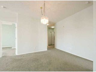 """Photo 5: 302 1725 MARTIN Drive in Surrey: Sunnyside Park Surrey Condo for sale in """"Southwynd"""" (South Surrey White Rock)  : MLS®# F1404627"""