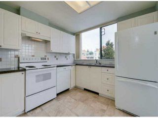 """Photo 6: 302 1725 MARTIN Drive in Surrey: Sunnyside Park Surrey Condo for sale in """"Southwynd"""" (South Surrey White Rock)  : MLS®# F1404627"""