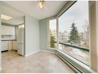 """Photo 8: 302 1725 MARTIN Drive in Surrey: Sunnyside Park Surrey Condo for sale in """"Southwynd"""" (South Surrey White Rock)  : MLS®# F1404627"""