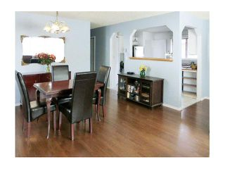 Photo 4: 72 WOODGLEN Road SW in CALGARY: Woodbine Residential Detached Single Family for sale (Calgary)  : MLS®# C3621641