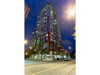 "Photo 1: 2502 550 TAYLOR Street in Vancouver: Downtown VW Condo for sale in ""THE TAYLOR"" (Vancouver West)  : MLS®# V1071091"