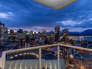 "Photo 5: 2502 550 TAYLOR Street in Vancouver: Downtown VW Condo for sale in ""THE TAYLOR"" (Vancouver West)  : MLS®# V1071091"