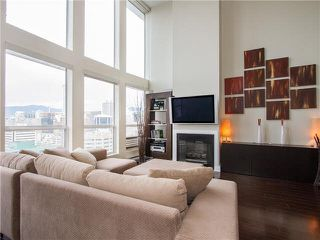 "Photo 2: PH3 933 SEYMOUR Street in Vancouver: Downtown VW Condo for sale in ""THE SPOT"" (Vancouver West)  : MLS®# V1094972"