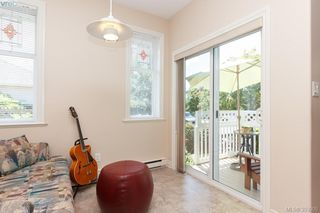 Photo 8: SIDNEY TOWNHOME FOR SALE: 2 BEDROOMS + 2 BATHROOMS = SIDNEY REAL ESTATE FOR SALE.