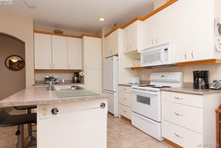Photo 6: SIDNEY TOWNHOME FOR SALE: 2 BEDROOMS + 2 BATHROOMS = SIDNEY REAL ESTATE FOR SALE.