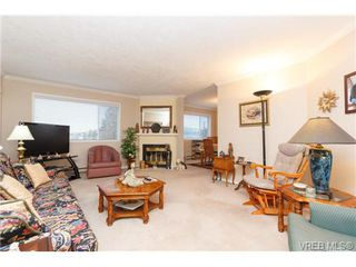 Photo 3: 401 2354 Brethour Ave in SIDNEY: Si Sidney North-East Condo Apartment for sale (Sidney)  : MLS®# 719565