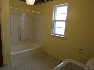 Photo 10: 787 Inkster Boulevard in WINNIPEG: West Kildonan / Garden City Residential for sale (North West Winnipeg)  : MLS®# 1602347
