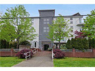 "Photo 1: 402 2983 CAMBRIDGE Street in Port Coquitlam: Glenwood PQ Condo for sale in ""CAMBRIDGE GARDENS"" : MLS®# R2036196"