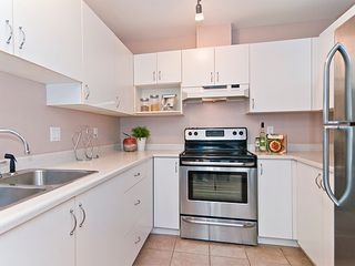 "Photo 6: 402 2983 CAMBRIDGE Street in Port Coquitlam: Glenwood PQ Condo for sale in ""CAMBRIDGE GARDENS"" : MLS®# R2036196"