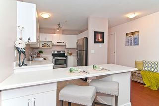 "Photo 5: 402 2983 CAMBRIDGE Street in Port Coquitlam: Glenwood PQ Condo for sale in ""CAMBRIDGE GARDENS"" : MLS®# R2036196"
