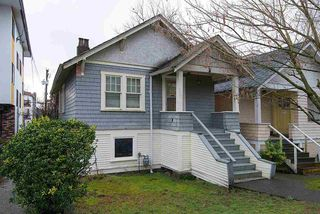 "Photo 2: 1546 E 3RD Avenue in Vancouver: Grandview VE House for sale in ""COMMERCIAL DRIVE"" (Vancouver East)  : MLS®# R2037642"