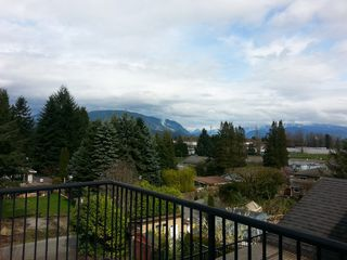 Photo 2: 2159 PITT RIVER Road in Port Coquitlam: Central Pt Coquitlam House for sale : MLS®# R2047910