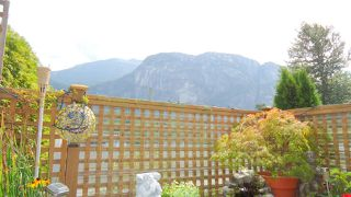 Photo 4: 101 1466 PEMBERTON Avenue in Squamish: Downtown SQ Condo for sale : MLS®# R2072860