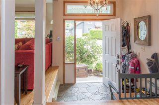 Photo 2: 41361 KINGSWOOD Road in Squamish: Brackendale House for sale : MLS®# R2127876