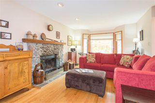 Photo 3: 41361 KINGSWOOD Road in Squamish: Brackendale House for sale : MLS®# R2127876