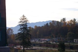 "Photo 17: 107 33960 OLD YALE Road in Abbotsford: Central Abbotsford Condo for sale in ""Old Yale Heights"" : MLS®# R2130106"