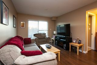 "Photo 3: 107 33960 OLD YALE Road in Abbotsford: Central Abbotsford Condo for sale in ""Old Yale Heights"" : MLS®# R2130106"