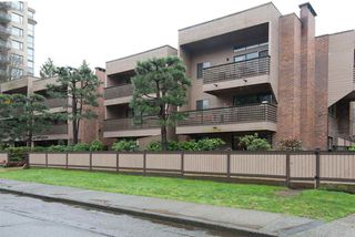 "Photo 2: 101 1750 W 10TH Avenue in Vancouver: Fairview VW Condo for sale in ""REGENCY HOUSE"" (Vancouver West)  : MLS®# R2158640"