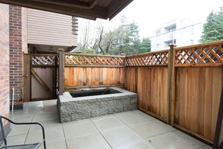 "Photo 3: 101 1750 W 10TH Avenue in Vancouver: Fairview VW Condo for sale in ""REGENCY HOUSE"" (Vancouver West)  : MLS®# R2158640"