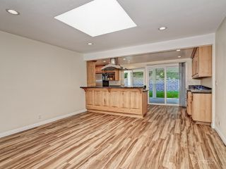 Photo 5: LA JOLLA House for rent : 4 bedrooms : 5494 Coral Reef Ave