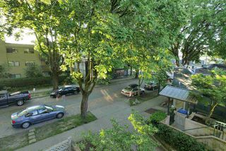 Photo 19: 1465 WALNUT Street in Vancouver: Kitsilano Townhouse for sale (Vancouver West)  : MLS®# R2170959