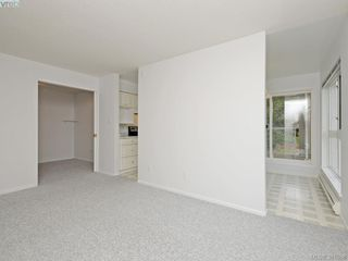 Photo 3: 203 1501 Richmond Avenue in VICTORIA: Vi Jubilee Condo Apartment for sale (Victoria)  : MLS®# 381068