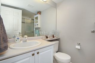 "Photo 11: 211 8976 208 Street in Langley: Walnut Grove Condo for sale in ""The Oakridge"" : MLS®# R2198683"