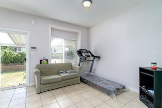 Photo 9: 4058 FOREST STREET - LISTED BY SUTTON CENTRE REALTY in Burnaby: Burnaby Hospital House 1/2 Duplex for sale (Burnaby South)  : MLS®# R2207552