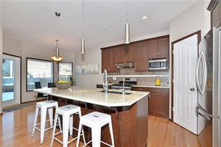Photo 4: 739 NEW BRIGHTON Drive SE in Calgary: New Brighton House for sale : MLS®# C4161942